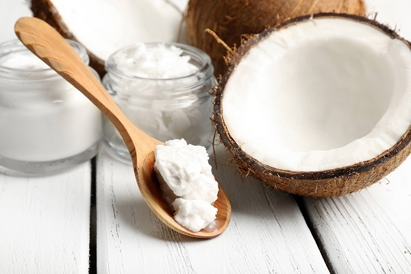 2-coconout-oil-hair-treatment-365-beauty-tips