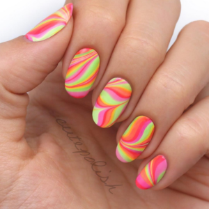 watermarble-nails-365beautytips