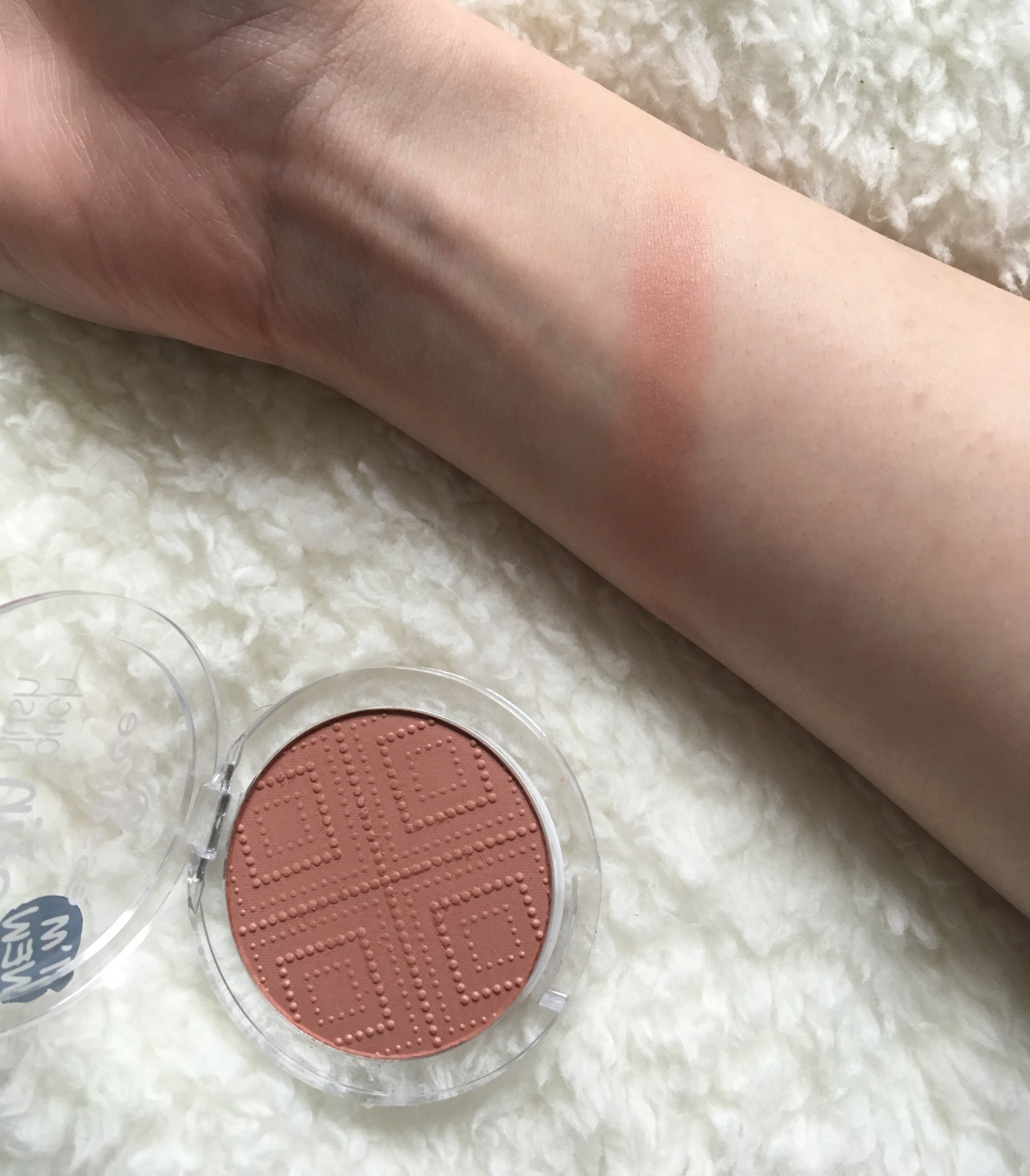 8-essence-satin-touch-blush-review-365-beauty-tips