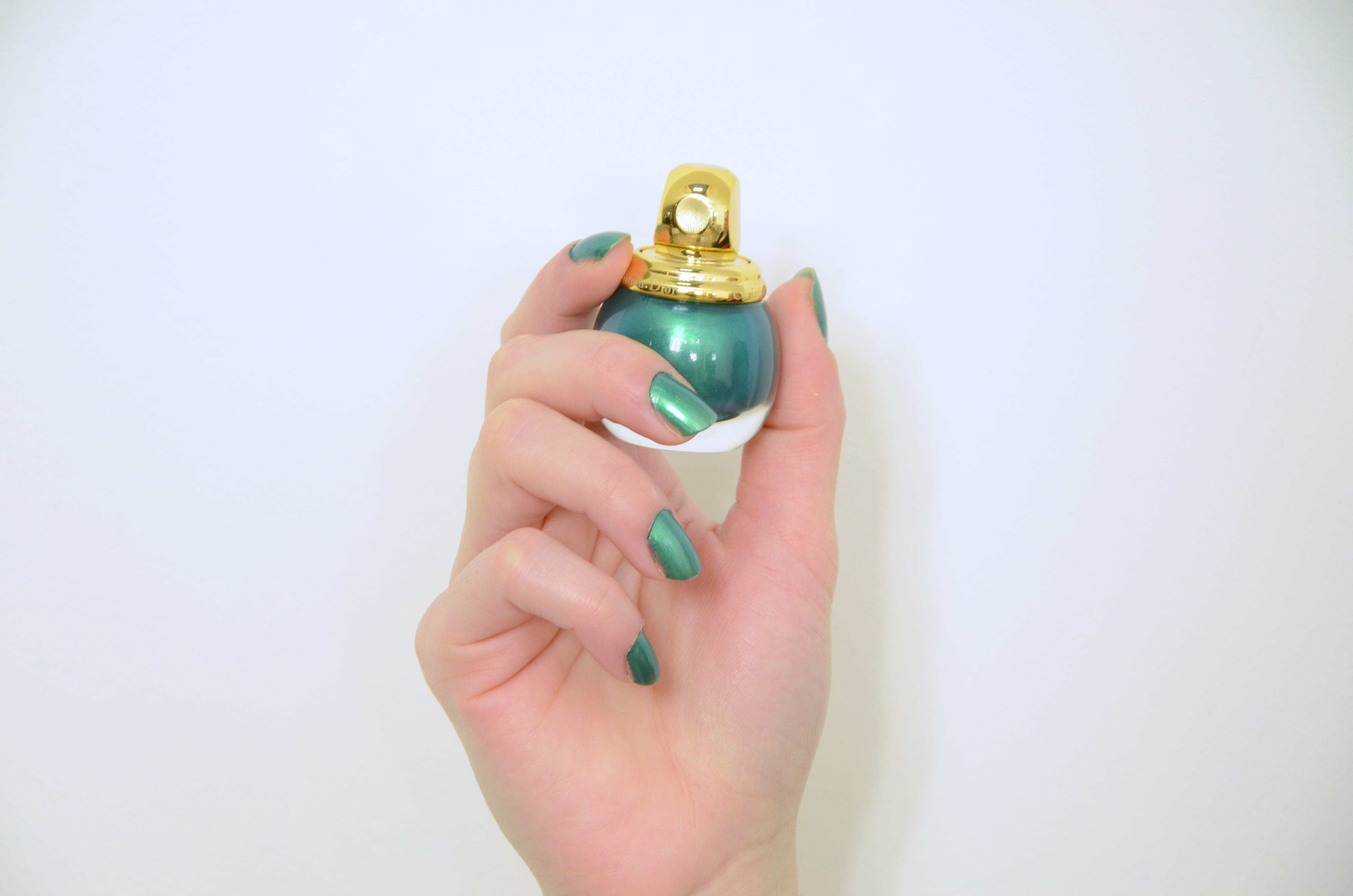 Dior-Diorific-in-Emerald-Review-and-Swatch-365-beauty-tips