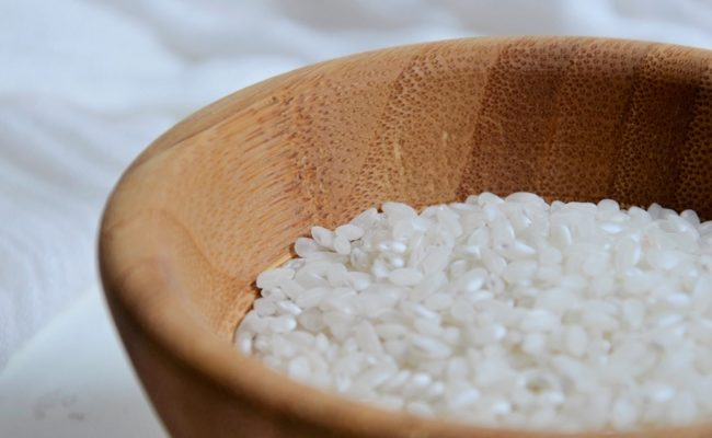 Benefits-of-Rice-Water-How-to-Make-a-Facial-Toner-with-Rice-Milk-365-beauty-tips